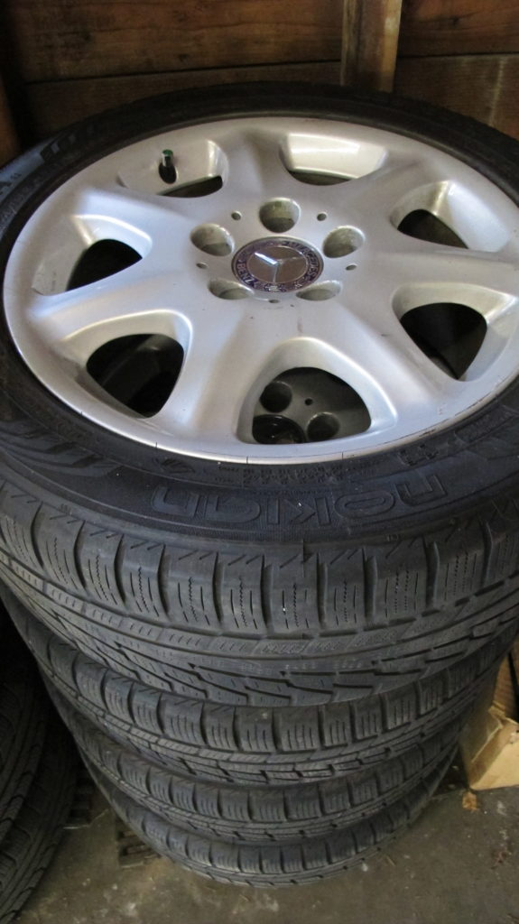 Mountain-rated snow tires